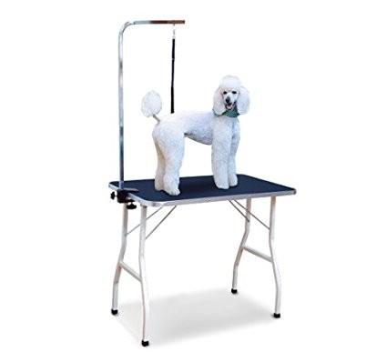 Nastavitelný stůl na stříhání psů