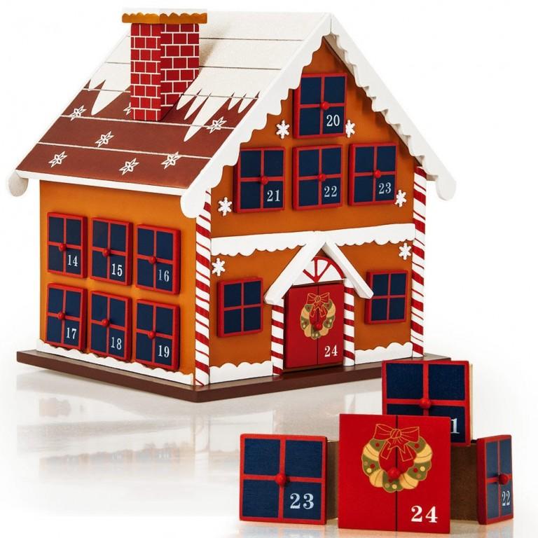 Dřevěný adventní kalendář Zimní chaloupka