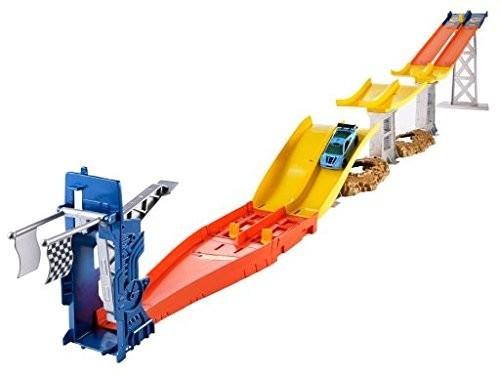 Mattel Hot Wheels Závodní dráha s dvěma skoky